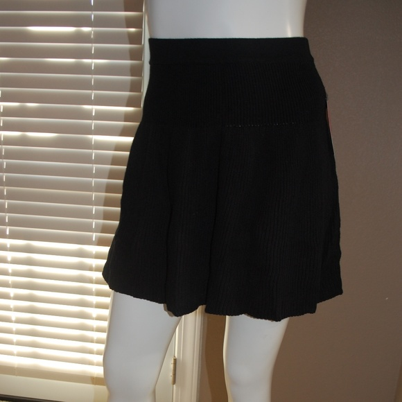 Candie's Dresses & Skirts - NWT Candie's Black knit Skirt 16.5 Long